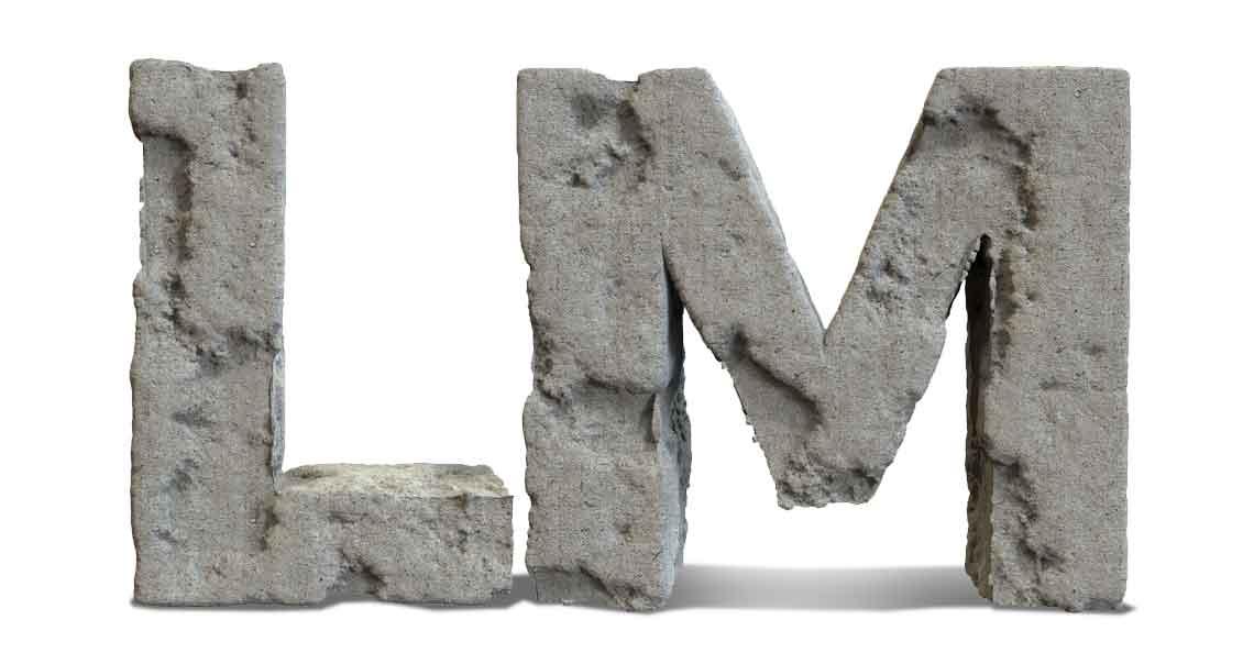 Letras L y M en piedra